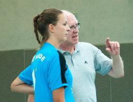 Dame 2 mit Trainer